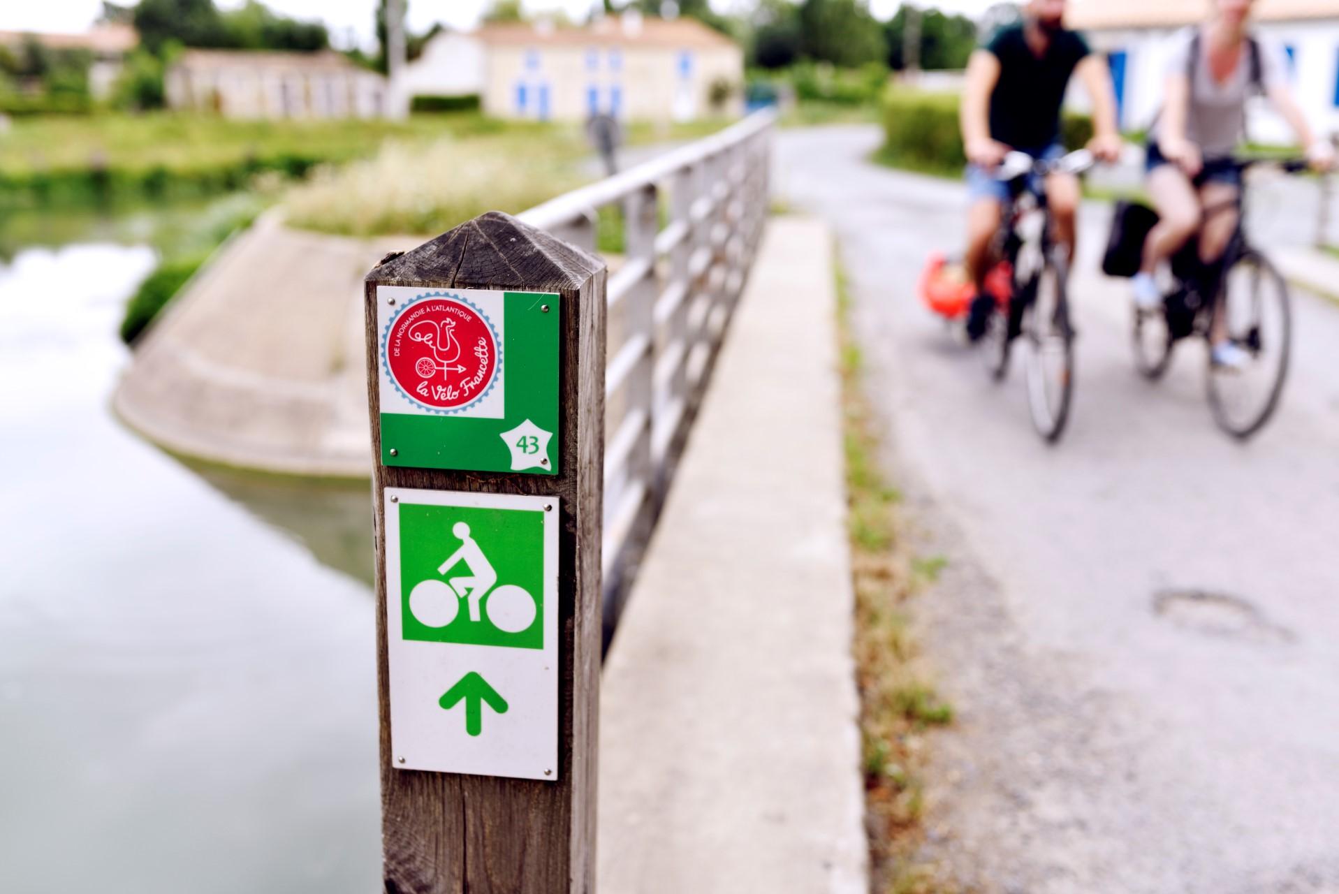 Le balisage de l'itinéraire   La Vélo Francette